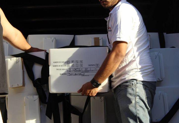 El material electoral llegó el viernes a los municipios de Cozumel, Tulum y Solidaridad. (Sara Cauich/SIPSE)
