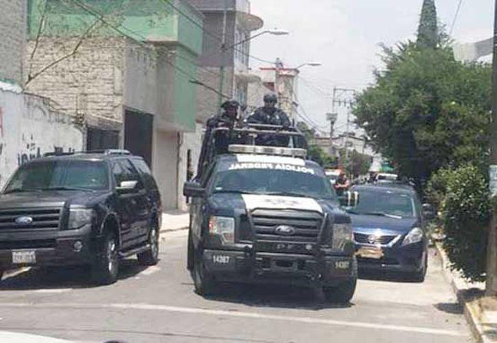 Las personas fueron detenidas en el panteón de San Lorenzo Tezonco, en la delegación Iztapalapa. (Hora Cero)