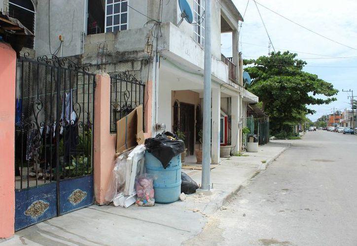 El director de Servicios Públicos Municipales reconoció que faltan vehículos para recolectar la basura de todo Tulum. (Sara Cauich/SIPSE)