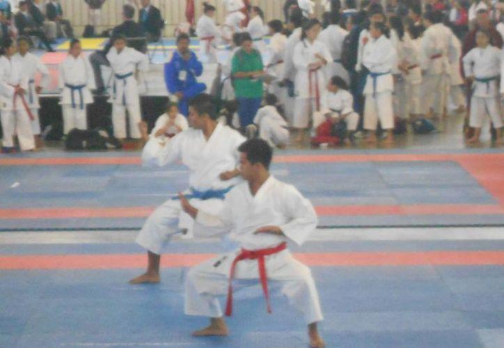 Los karatecas de Quintana Roo están listos para su participación en la olimpiada. (Redacción/SIPSE)