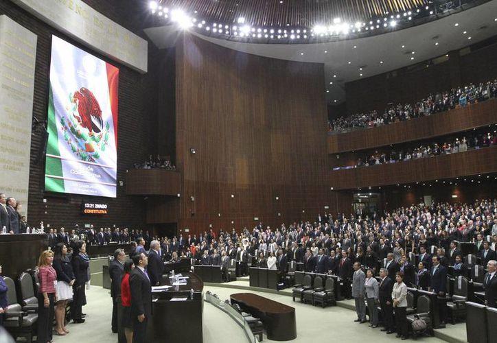 Aspecto de la sesión en que fue elegido el perredista Jesús Zambrano como nuevo presidente de la Cámara de Diputados para el primer año de la LXIII legislatura, el pasado viernes 29 de agosto de 2015. (Archivo/Notimex)