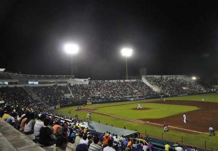 El equipo Tigres de Quintana Roo se enfrentará a los Delfines. Esto tendrá lugar en Ciudad del Carmen, casa de los rivales. (Francisco Gálvez/SIPSE)