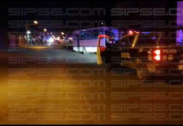 La zona fue acordonada por policías de Seguridad Pública. (Redacción/SIPSE)