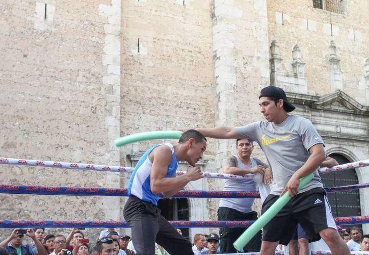 El 'Gallo' Estrada dio una exhibición en la Plaza Grande. (Luis Pérez/SIPSE)