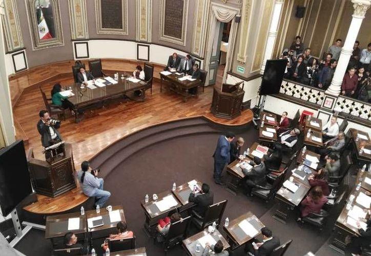 """El trámite legislativo establece que la abrogación debió ser turnada a comisiones, pero ante """"la urgencia del tema"""", se votó por unanimidad en el Pleno del Poder Legislativo. (Contexto/Internet)"""
