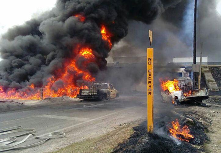 Esta contingencia cobró la vida de un bombero de Petróleos Mexicanos.  (Tribuna Noticias).