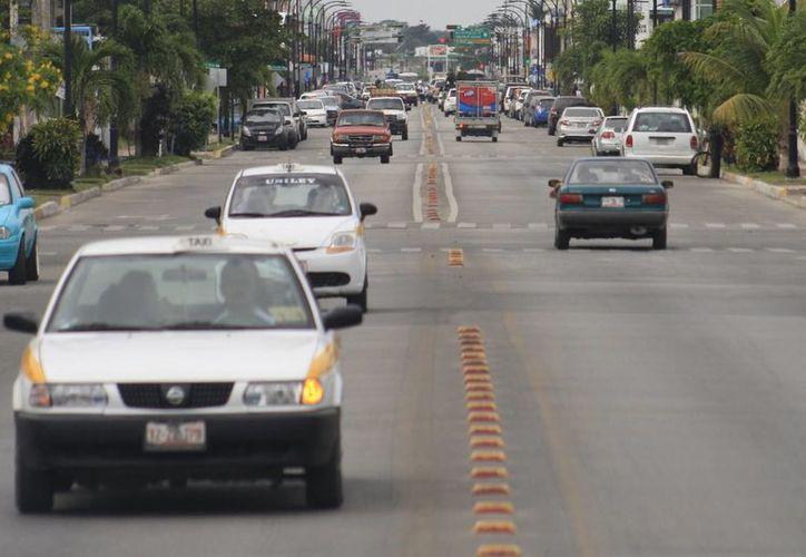 Los turistas beliceños reportaron que han sido víctimas de robo por parte de los taxistas de Chetumal. (Harold Alcocer/SIPSE)