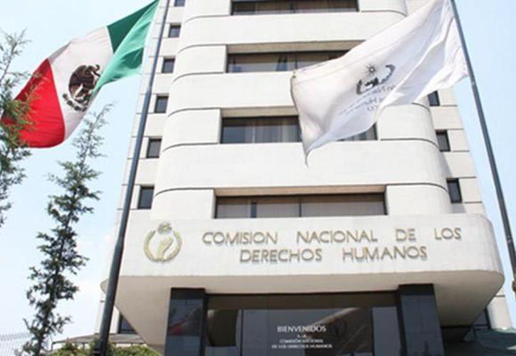 Integrantes del Programa de Agravios a Periodistas y Defensores Civiles de Derechos Humanos de la CNDH se reunió con el comunicador en la Ciudad de México. (Contexto/Internet)