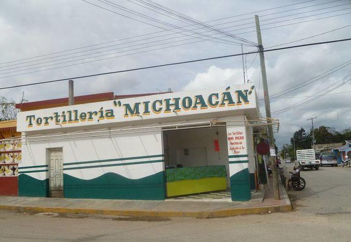 Señalan que a 100 metros hay otro negocio de tortillas que trabaja desde hace varios años. (Raúl Balam/SIPSE)