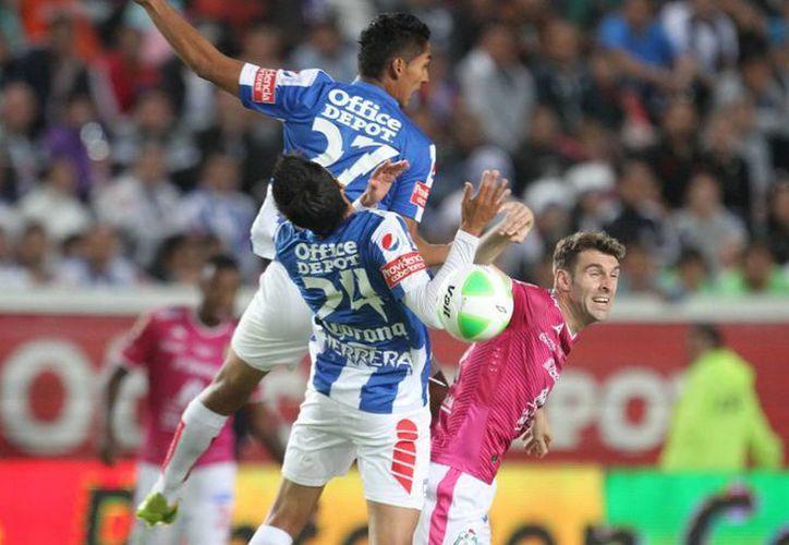Boselli marcó el primer gol del León, que se llevó el título en tiempos extra gracias un segundo tanto. (Notimex)