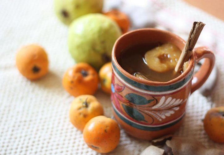 El ponche navideño, preparado con tecojotes pelados, es muy útil para tratar problemas digestivos.  (themijachronicles.com)