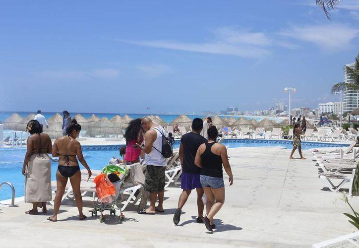 Durante los primeros seis meses del año se ha registrado un crecimiento de cuatro puntos porcentuales en turismo. (Israel Leal/SIPSE)