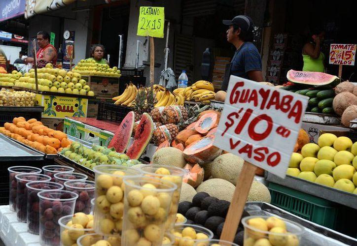 La confianza del consumidor cayó a su mayor ritmo a tasa mensual en dos años. Se espera un panorama sombrío para la economía mexicana. (Archivo/Notimex)
