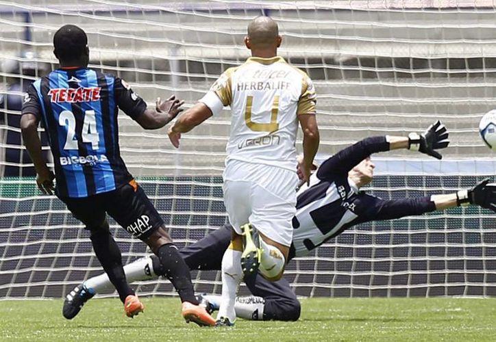 Pumas de la UNAM tuvo una negra presentación en casa, sin nada que ofrecer fue goleado 0-3 por Querétaro. (Notimex)