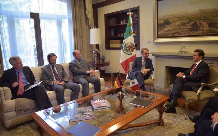 El presidente Enrique Peña Nieto y el presidente del Banco Central alemán, Jens Weidmann, dialogaron en Los Pinos sobre diversos temas, como la próxima presidencia de Alemania del G20, en 2017. (Notimex)