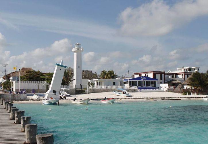 Los negocios se ubican en los arenales de Puerto Morelos. (Israel Leal/SIPSE)