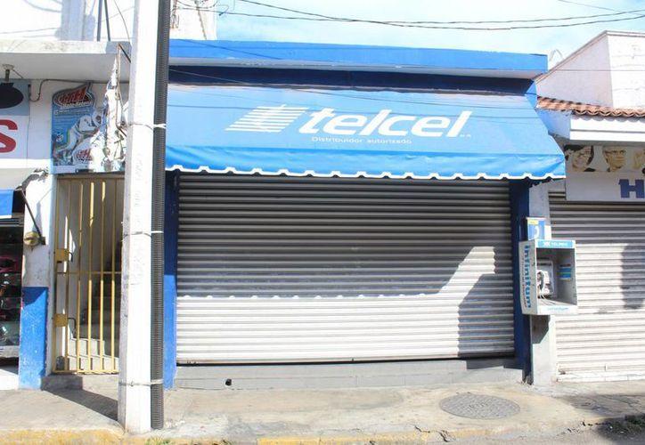 Uno o más ladrones robaron por la madrugada una tienda de celulares en el centro de Progreso. (SIPSE)