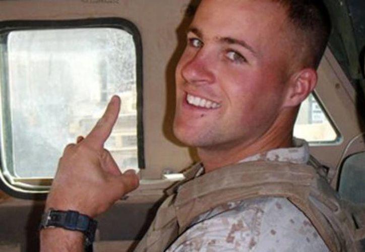 El ex marine Clay Hunt se suicidó en 2011 a los 28 años tras fuertes depresiones; su caso delató las carencias en los apoyos a ex combatientes estadounidenses. (Archivo/AP)