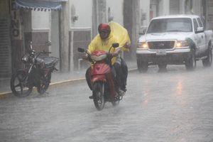 Lluvia de 'Bárbara' en Mérida