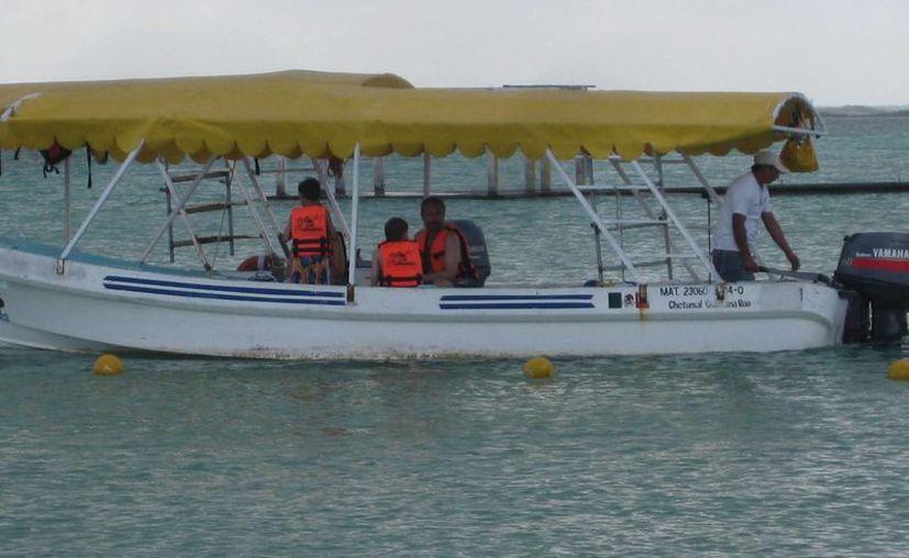 Por la mañana algunas familias se animaron a conocer la Laguna. (Javier Ortiz/SIPSE)