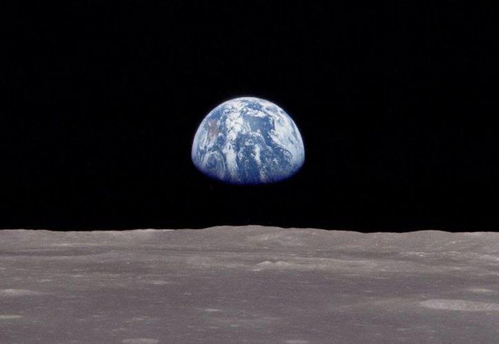 Esta imagen captada desde la órbita lunar el 24 de diciembre de 1968 sigue estremeciendo por su belleza. (wired.com)