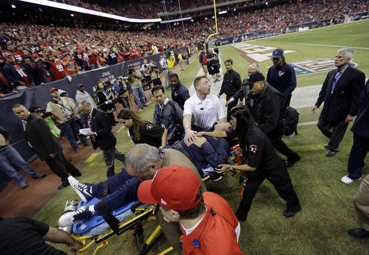 Los Texans no precisaron cuál fue el problema de Kubiak, pero negaron que fuera un infarto cardiaco. (Agencias)