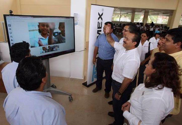 La nueva biblioteca virtual facilitará el acceso a la información a los jóvenes cancunenses. (Redacción/SIPSE)