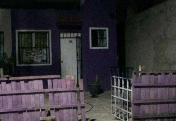 Los sospechosos fueron sacados por los vecinos de la vivienda en donde se refugiaban. (Redacción/SIPSE)