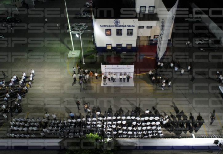 La ceremonia fue en las instalaciones de la policía municipal. (Harold Alcocer/SIPSE)