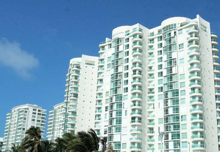 Actualmente se permite la construcción de edificios de 20 pisos o más. (Jesús Tijerina/SIPSE)