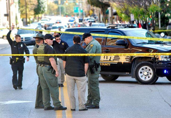 La policía logró herir al hombre al repeler la agresión. (Agencias)