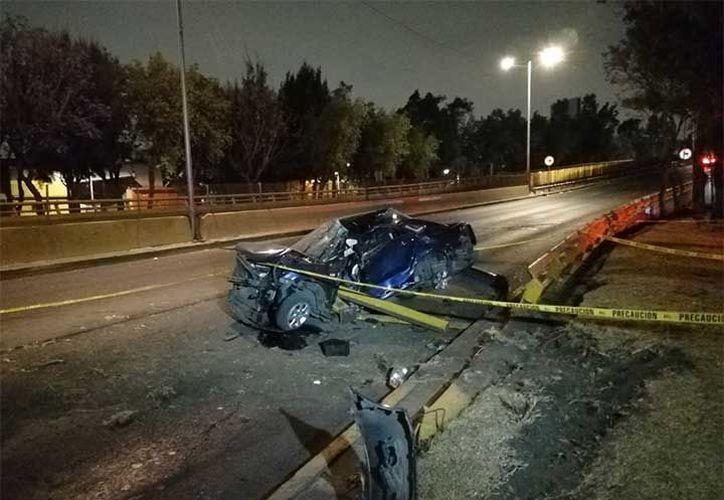 La policía no reveló que provocó el aparatoso accidente. (Excélsior)