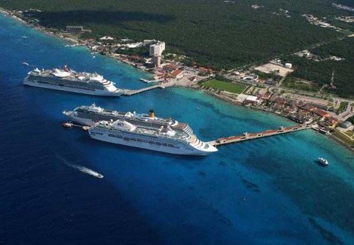 Para la semana de Navidad se espera el arribo de 50 cruceros a puertos de Quintana Roo. (viajaratope.com)