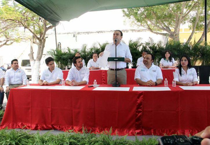 Nerio Torres Arcila, candidato del PRI a la alcaldía de Mérida, hizo planteamientos sobre economía, seguridad, salud, educación, servicios públicos, etc, en el inicio de su campaña. (SIPSE)
