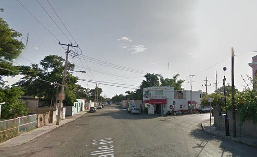 Imagen del cruzamiento donde un vehículo levantó a un par de ancianos que viajaban en un triciclo. (Google maps)