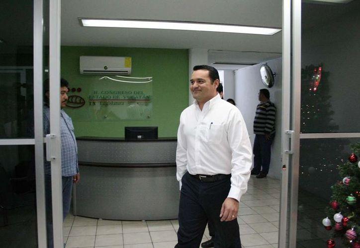"""El alcalde de Mérida, Renán Barrera, recibió respaldo """"a medias"""" de los diputados para subir el impuesto predial. (Milenio Novedades)"""