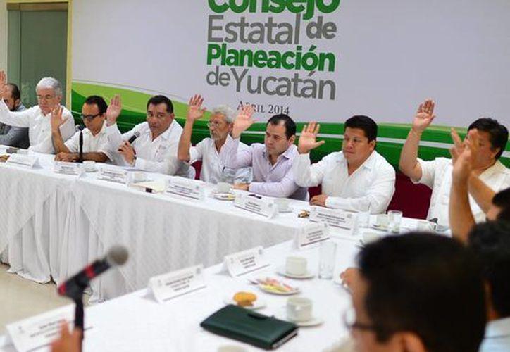 Imagen de la sesión de la Comisión Intersecretarial de Cambio Climático de Yucatán. (Milenio Novedades)