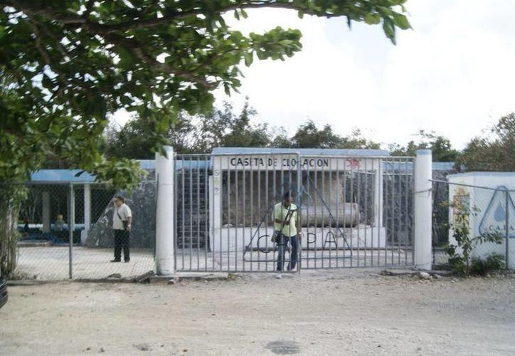Se presume que el robo del cableado de las bombas de agua fue perpetrado en la madrugada.  (Redacción/SIPSE)