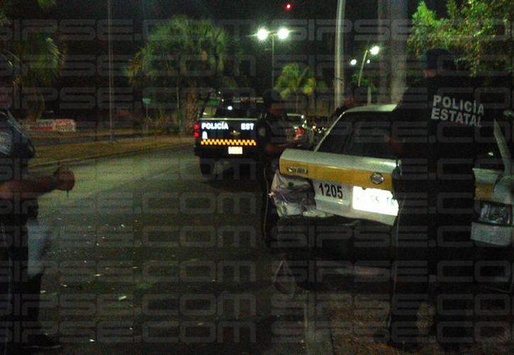El conductor se impactó contra un taxi que se encontraba estacionado. (Pedro Amador/ SIPSE)