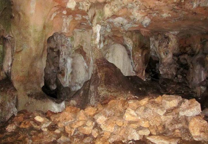 Fue tanto el amor del señor Caamal a su pueblo que le pusieron a la gruta su apellido, y afirman que su alma permanece en la caverna. (Jorge Moreno/SIPSE)