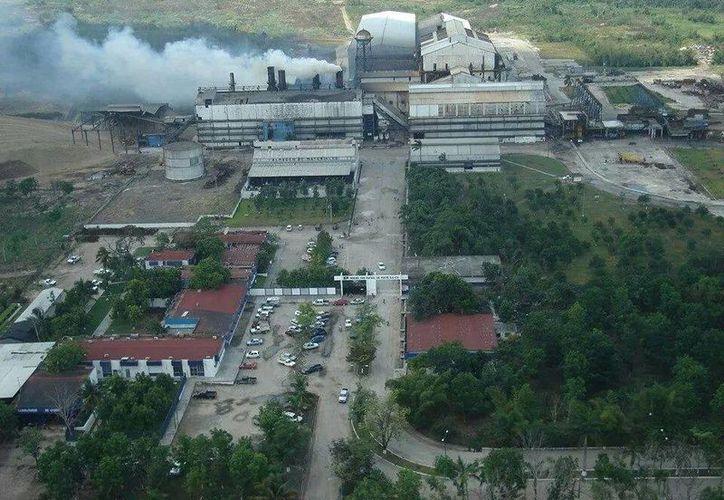 El complejo es catalogado entre los más grandes del país. En la temporada pasada se molió más de un millón 300 mil toneladas. (Carlos Castillo/SIPSE)