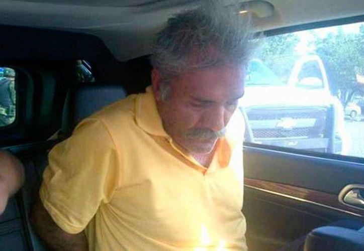 José Manuel Mireles, ex líder de las autodefensas de Tepalcatepec, está detenido, acusado del delito de portación ilegal de armas. (Archivo/Milenio Digital)