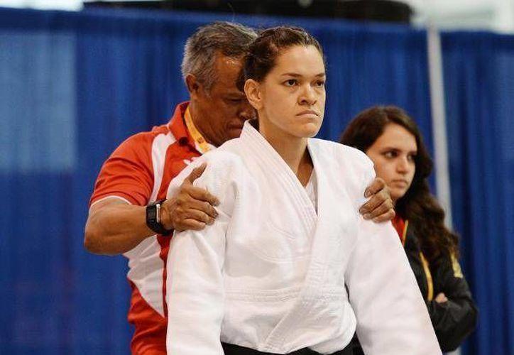 Lenia Ruvalcaba ganó la medalla de oro en judo dentro de la categoría B3. (@CONADE)