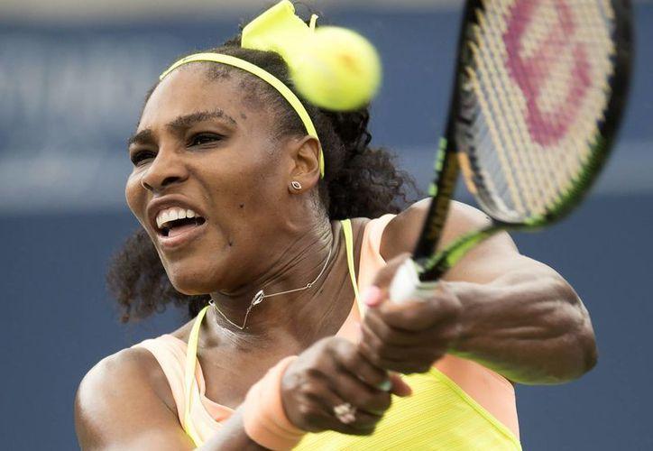 Serena Williams continúa preparándose rumbo al uno de los torneos más prominentes del tenis mundial: el US Open. (AP)