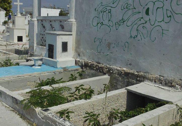 """Los espacios que no son bien usados por los deudos serán """"expropiados"""" por el Ayuntamiento. (Manuel Pool/SIPSE)"""