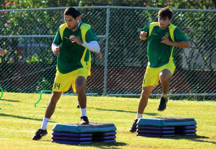 Los jugadores astados realizaron ejercicios de acondicionamiento físico por segunda ocasión. (Milenio Novedades)
