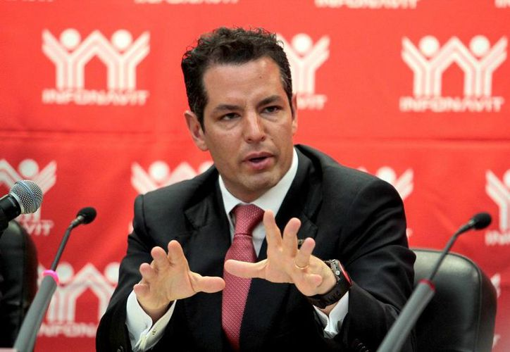 Murat Hinojosa dijo que se planea cerrar el 2013 con 250 mil créditos para vivienda nueva. (Notimex)
