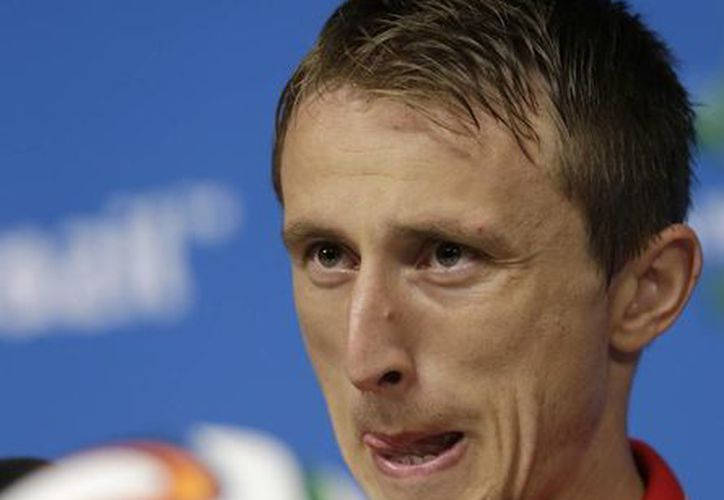 Modric recuerda que en la Euro de 2012, Croacia no avanzó más allá de la fase de grupos porque se toparon con Italia y España, que a la postre jugaron la final. (Foto: AP)