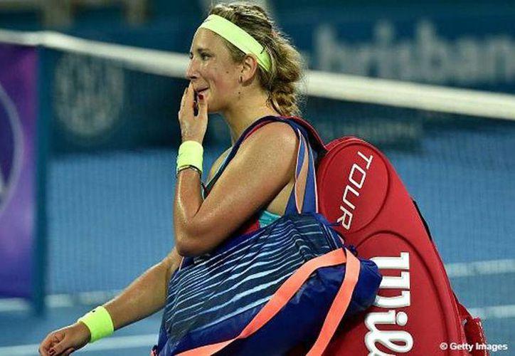 Desconsolada: Victoria Azarenka va de mal en peor, tras su derrota en el Torneo de Brisbane, en Australia. (Twitter: @WTA)