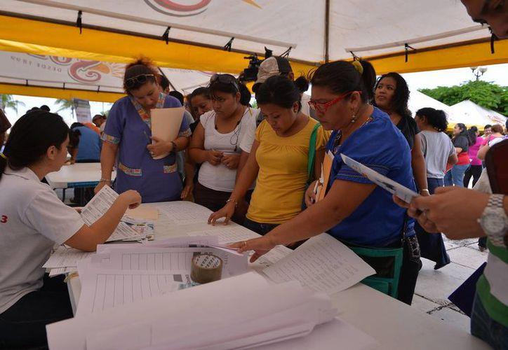 Fue notoria la presencia de las mujeres en la jornada del empleo. (Gustavo Villegas/SIPSE)
